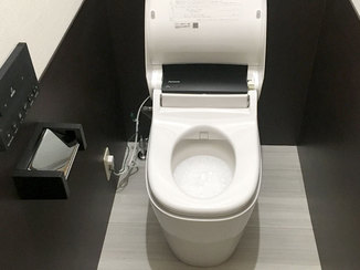 トイレリフォーム デザインと機能性を重視したカッコいいトイレ空間
