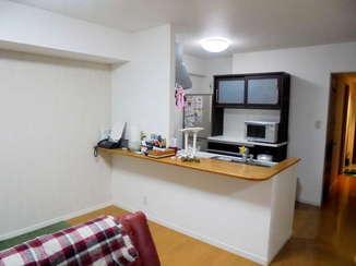 内装リフォーム 戸棚を撤去して明るく開放的になったキッチン廻り