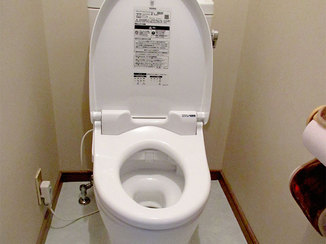 トイレリフォーム 暖かな便座とクッションフロアで快適に使えるトイレ