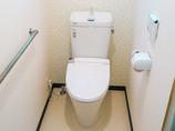 トイレリフォーム和式から洋式へ、バリアフリーで快適な明るいトイレ