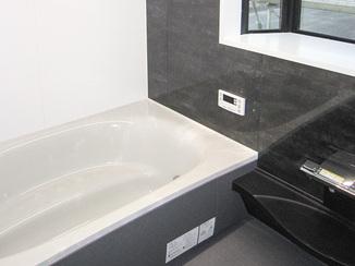 バスルームリフォーム デザインにこだわったシックでかっこいいバスルーム