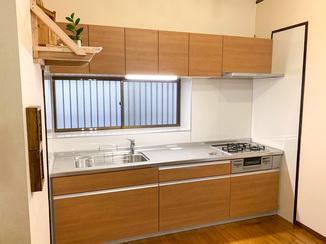キッチンリフォーム 収納力が上がり清掃しやすいシステムキッチン