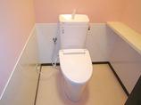 トイレリフォームペットによる傷・汚れにも対応した内装のトイレ