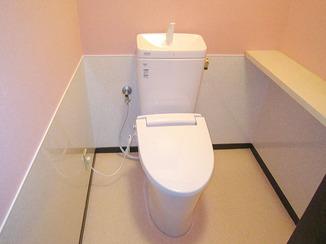 トイレリフォーム ペットによる傷・汚れにも対応した内装のトイレ