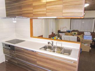 キッチンリフォーム IHや食洗機など機能面も充実したシステムキッチン