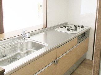 キッチンリフォーム キッチンを取り替えて部屋の雰囲気を一新