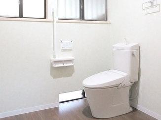 トイレリフォーム 小便器を撤去して広く使いやすくなったトイレ