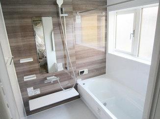 バスルームリフォーム 冬でも浴室暖房乾燥機で温かい浴室