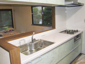 キッチンリフォーム 最新の設備に一新した、便利で清潔な水廻り