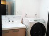 洗面リフォーム明るく掃除のしやすい洗面所