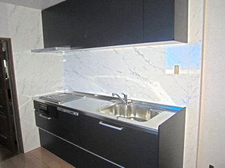 キッチンリフォーム 2世帯で住むためクローゼットとキッチンを新設した部屋