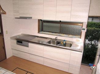 キッチンリフォーム 新築のような清潔感あふれるキッチン