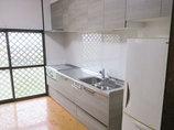 キッチンリフォーム手の届く使いやすい高さに吊戸棚がついたキッチン