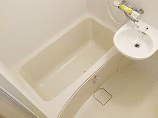 バスルームリフォーム 白で統一した明るくキレイなバスルーム