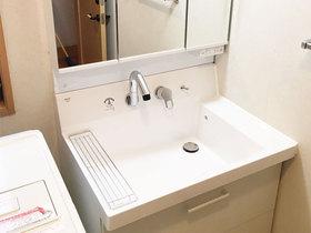洗面リフォーム収納性が高い化粧台ですっきりキレイな洗面空間