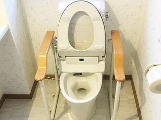 トイレリフォーム フチのない便器で掃除が楽になった2つのトイレ
