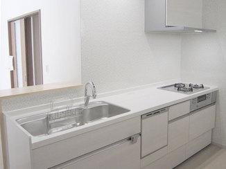 キッチンリフォーム ハンズフリー水栓が満足度の高い対面キッチン
