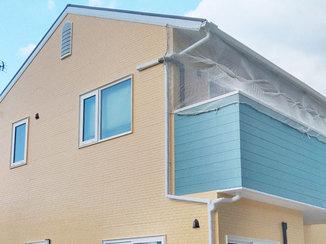 外壁・屋根リフォーム 雨漏りの心配いらず!明るくさわやかなカラーの外壁&屋根