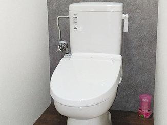 トイレリフォーム 和式トイレからすっきりした印象の使いやすい洋式トイレへ
