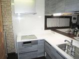 キッチンリフォームビルトイン食洗機&IHに変え、スッキリしたカウンターキッチン