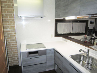 キッチンリフォーム ビルトイン食洗機&IHに変え、スッキリしたカウンターキッチン