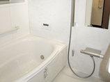 バスルームリフォーム保温機能がついた、清掃性の高い快適ユニットバス
