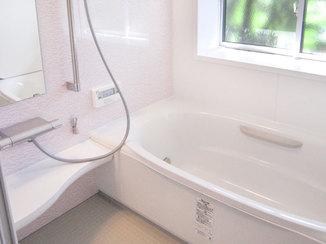 バスルームリフォーム 断熱窓で冷気を防ぐ、あたたかなユニットバス