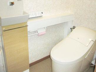 トイレリフォーム 手洗器が別になった、掃除がしやすくて衛生的なトイレ