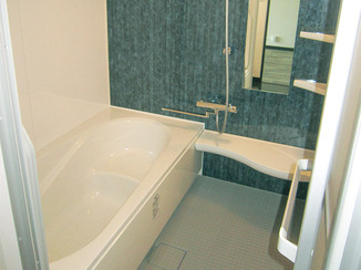 バスルームリフォーム 半身浴ができ、広々ゆったり入れるお風呂