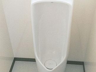 トイレリフォーム 見違えるほどきれいになった男性用トイレ